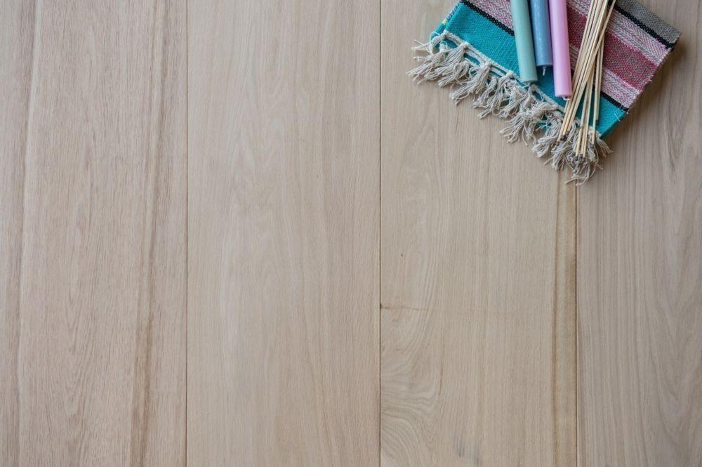 Eikenhouten vloer 11.1. - Onbehandeld - Riga Vloeren Amsterdam