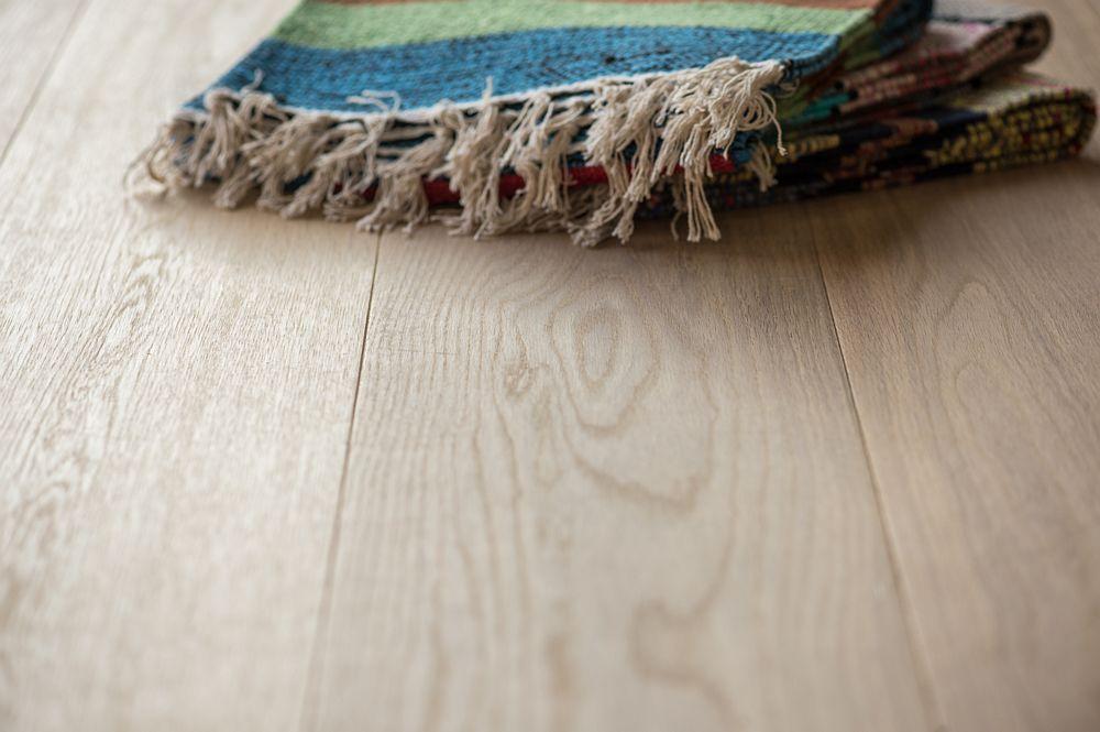 Houten vloer 3.1. Gerookt en wit geolied - Riga Vloeren Amsterdam