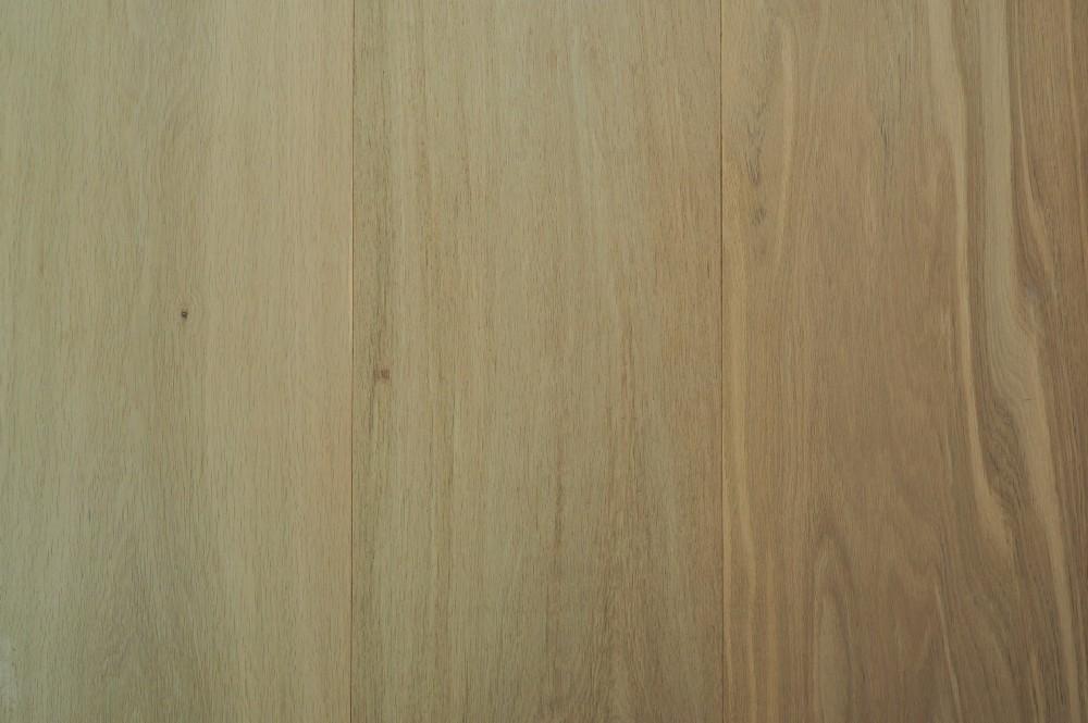 Vloer 11.2. eikenhouten lamelvloer van Riga vloeren en kozijnen in Amsterdam