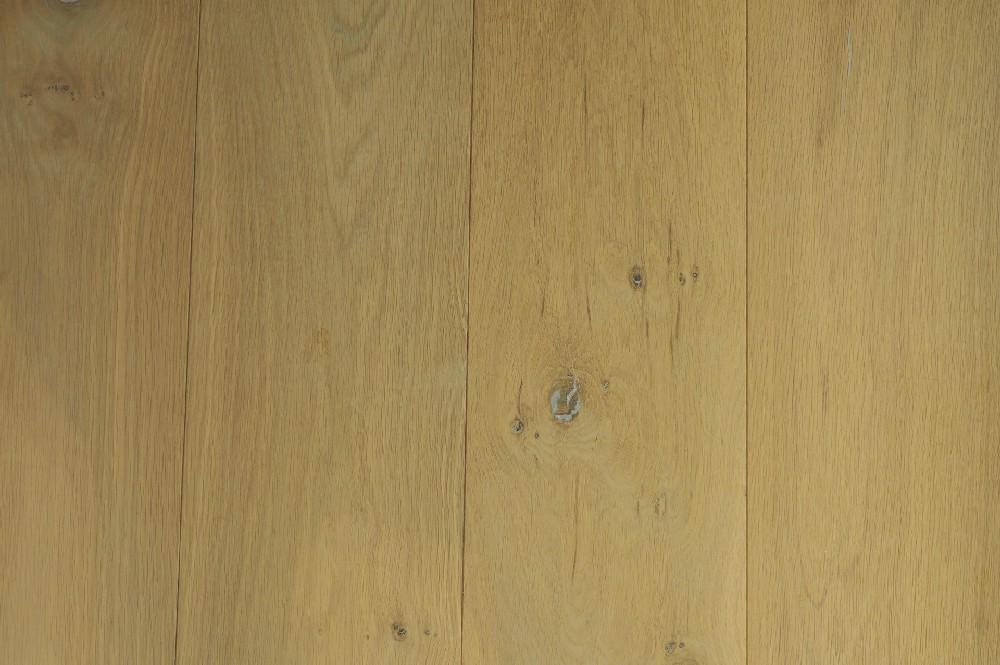 Vloer 12.1. eikenhouten systeemvloer van Riga vloeren en kozijnen in Amsterdam
