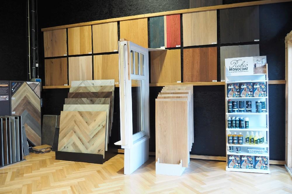 Showroom Riga vloeren en kozijnen Amsterdam