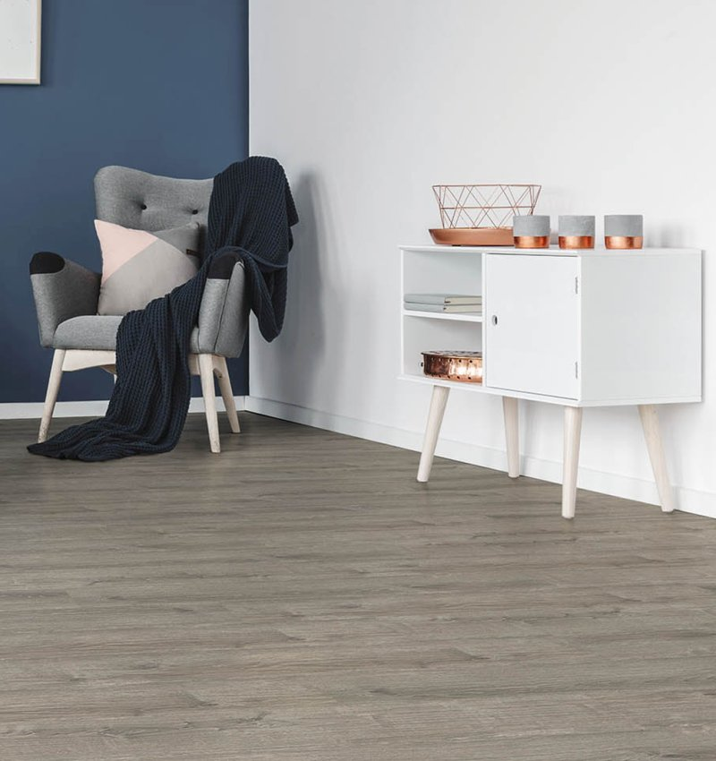 Woonkamer met Elemental Rigid Core PVC plank Ridge Oak Silver