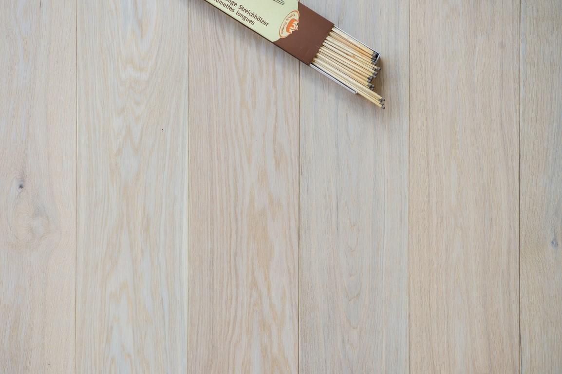 Witte Grenen Vloer : Houten vloeren riga vloeren & kozijnen